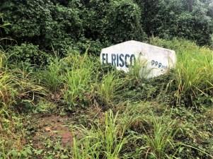 El Risco Sign hike to Manzanillo abandoned houses