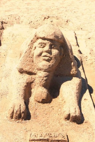 Gimli sandcastle