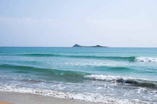Nilaveli Beach and Pigeon Island in the distance.