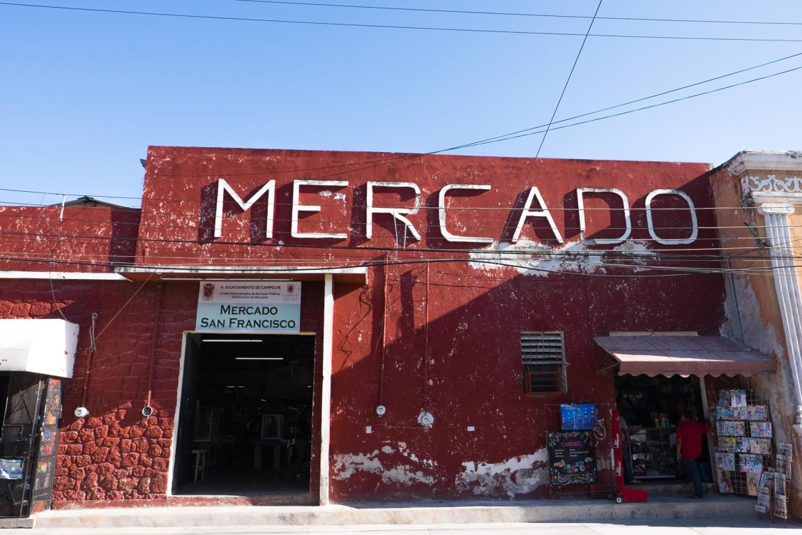A red fronted market in Mexico.