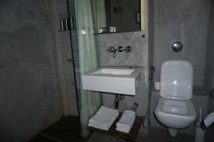 Abode Bombay bathroom