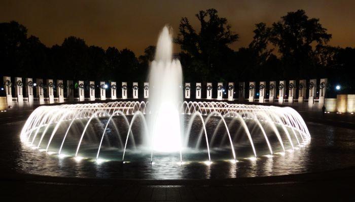 Visit Washington World War Two Memorial for FREE