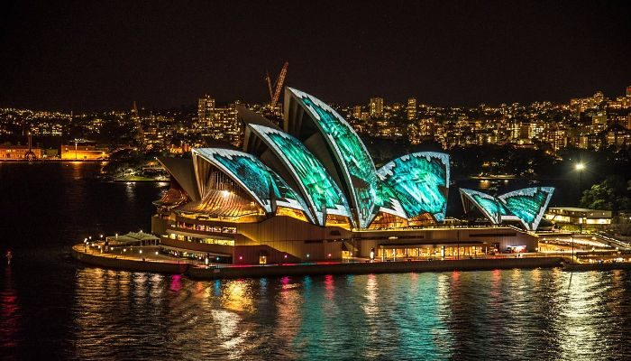 sydney-opera-house lit up by lasers