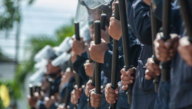 police riot preparation