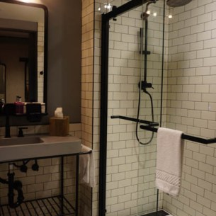 Moxy Hotel bathroom