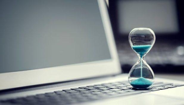 hourglass on a computer