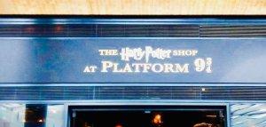 Lo shop di Harry Potter al binario 9 e 3/4 a Londra