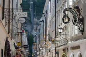 insegne ferro battuto Getreidegasse salisburgo traveltherapists