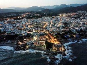 nerja andalusia paesi bianchi traveltherapists