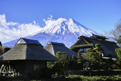 villaggio capanne legno monte fuji fujisan il mio viaggio in giappone traveltherapists miglior blog di viaggio Top esperienze da fare in Giappone
