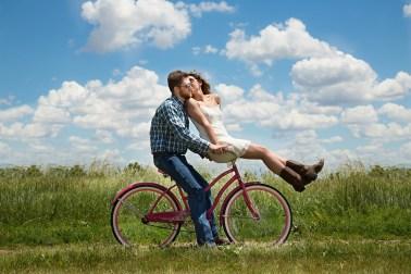 coppia biciletta traveltherapists