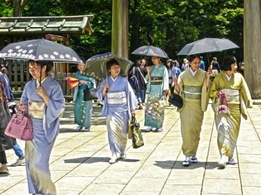 donne kimono traveltherapists il mio viaggio in giappone Giappone la migliore vacanza post Covid-19 blog giappone miglior blog di viaggio La cultura giapponese dell'empatia