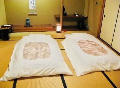 casa giapponese futon il mio viaggio in giappone traveltherapists Storia dell'inchino e altre usanze giapponesi blog giappone miglior blog di viaggio