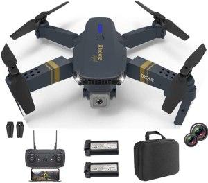 un drone con due batterie, la borsa per il drone, joystick migliori drone 2021 traveltherapists