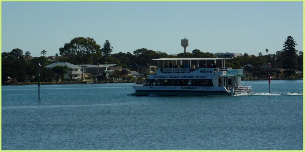 A Perth daytrip on a Mandurah Dolphin Cruise