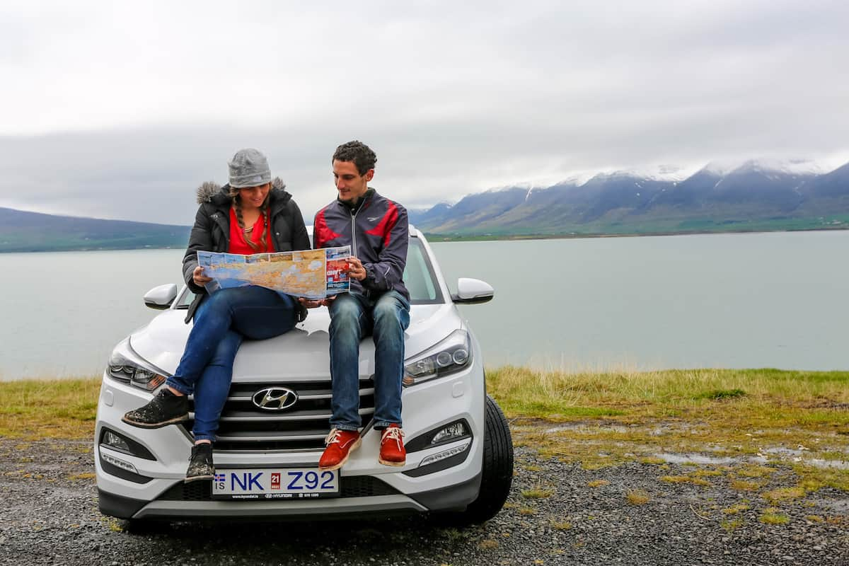 how to travel around iceland