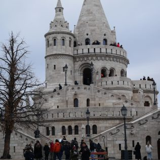 bastion des pêcheurs budapest hungary hongrie europe citytrip travel blog voyage traveltothemoonandback travel to the moon and back