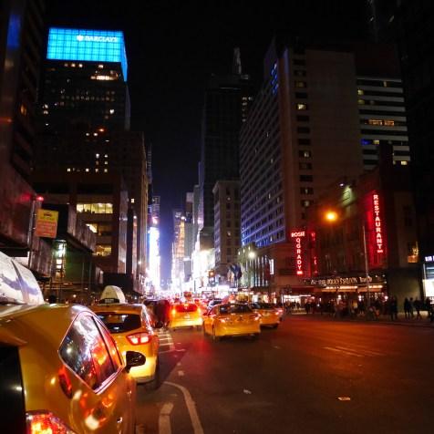 nyc new york Times Square Manhattan usa travel blog voyage blogger états-unis amérique traveltotthemoonandback travel to the moon and back blog
