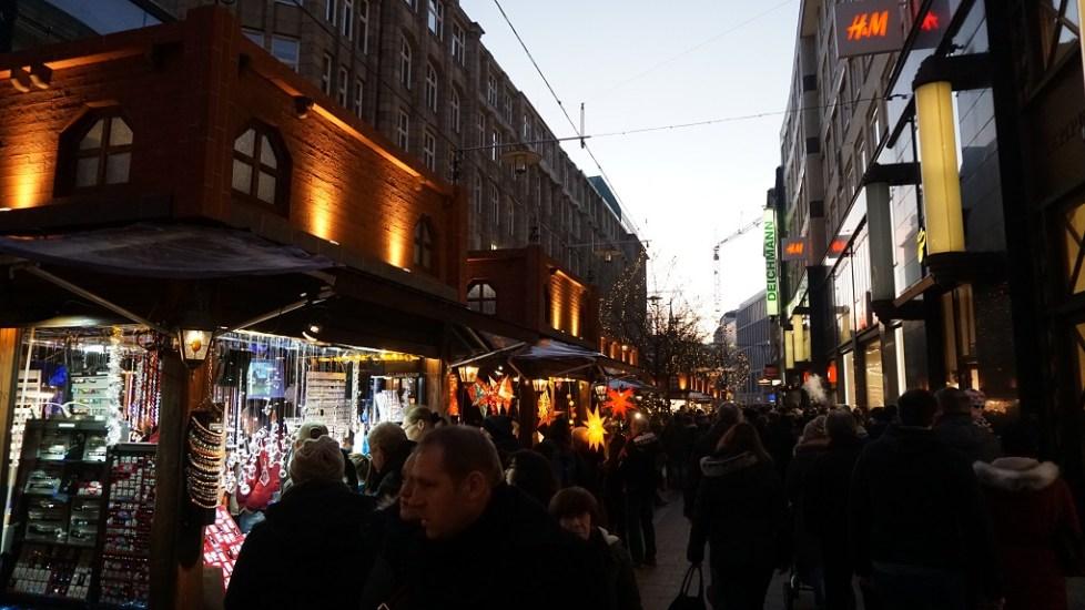 Lichtjes op de kerstmarkt in Hamburg