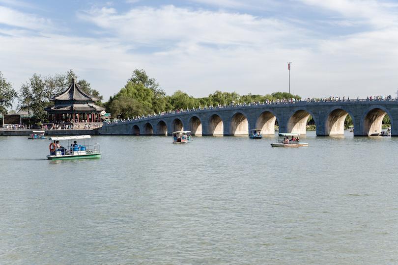 Seventeen-arch bridge