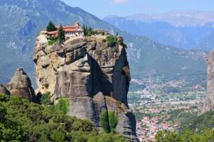 8 Most Famous Landmarks in Greece