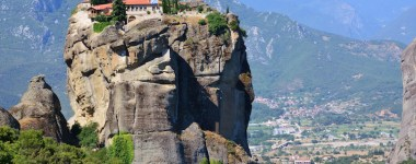 8 Most Famous Landmarks in Greece
