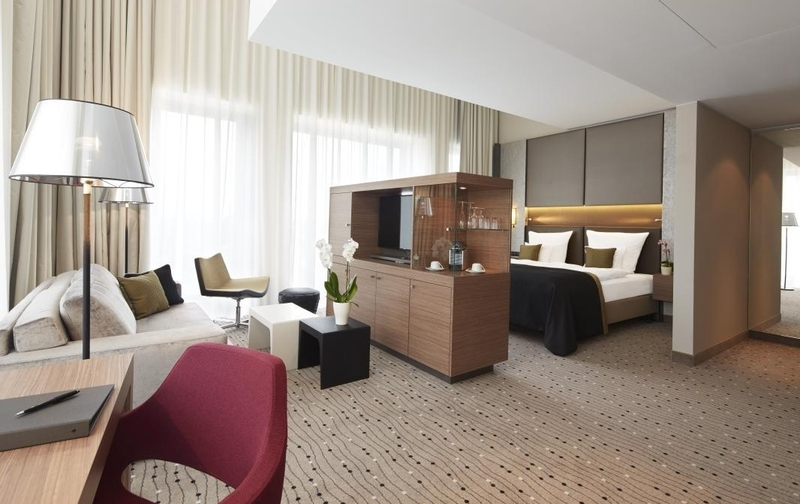 Junior Suite at Steigenberger Hotel Am Kanzleramt (Image Source: Steigenberger Hotel Am Kanzleramt / steigenberger.com)