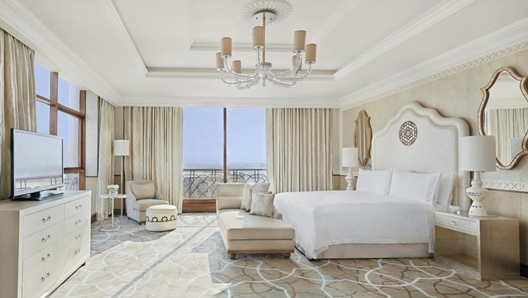 Stunning King Tower Suite at the Waldorf Astoria Ras Al Khaimah (Image Source: Waldorf Astoria Ras Al Khaimah / hilton.com)