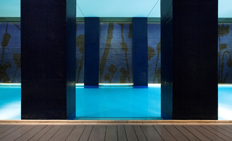 Big swimming pool at the Mamilla Hotel (Image Source: The Leading Hotels of the World / lhw.com)