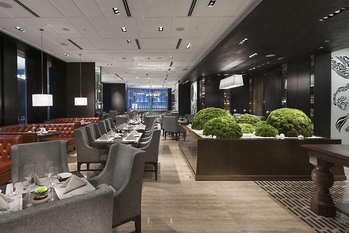 The more casual Restaurant Ebony (Image Source: Mandarin Oriental Guangzhou / mandarinoriental.com)