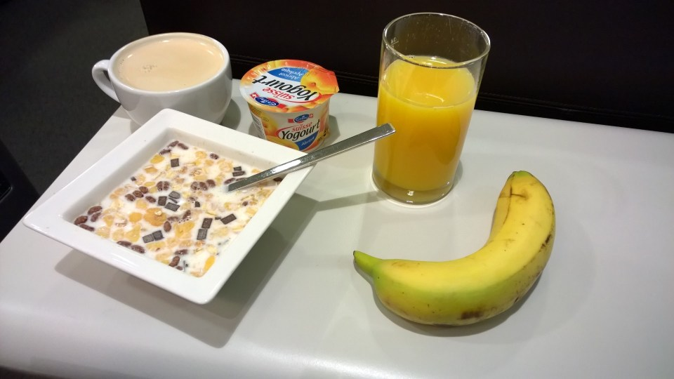 A small, but tasty breakfast at the Swiss Business Class Lounge