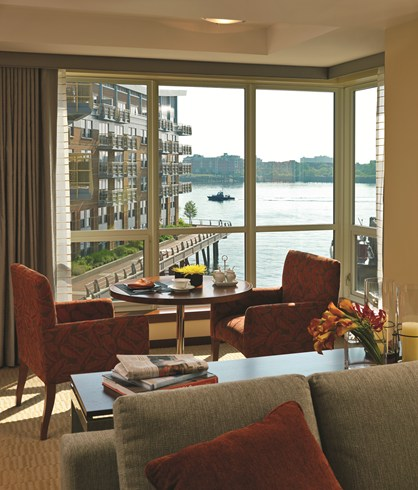 What a view! Junior Suite at the Battery Wharf Hotel (Image Soruce: The Leading Hotels of the World / lhw.com)