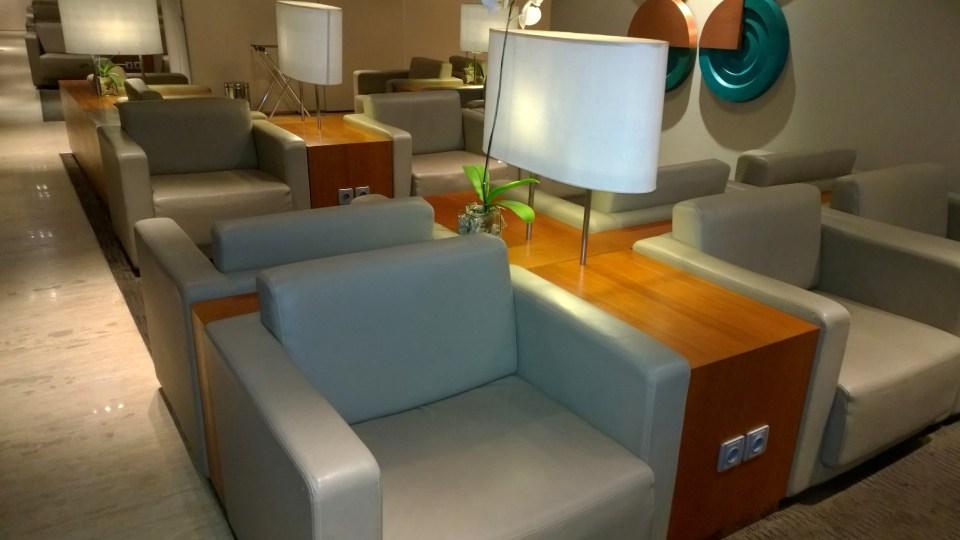 The Garuda Indonesia Lounge got a cozy atmosphere