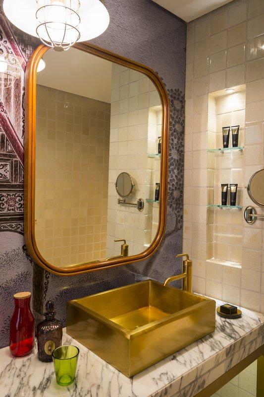 Every bathroom is designed very special (Image Source: Hotel Indigo Bangkok / ihg.com)