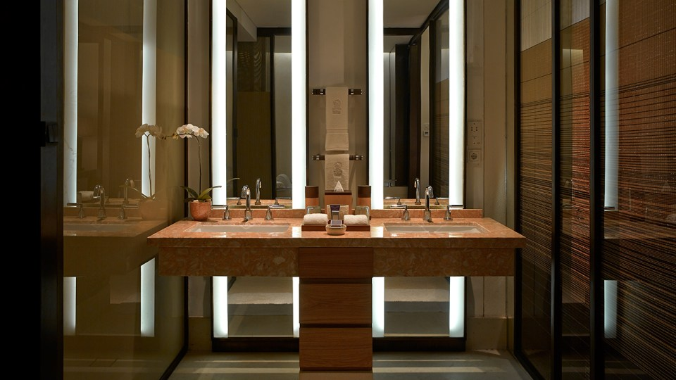 Each and every bathroom is luxurious (Image Source: The Ritz-Carlton Bali / ritzcarlton.com)