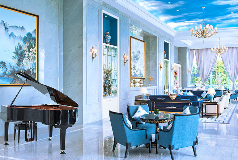 Unique atmosphere with a hefty price tag (Image Source: The Azure Qiantang / starwoodhotels.com)