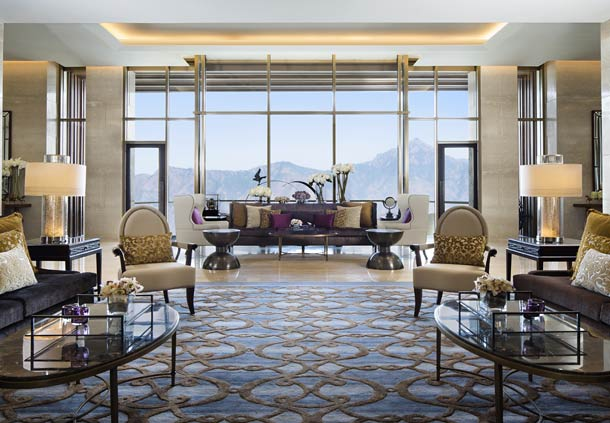 Lobby (Image Source: JW Marriott Mussooire Walnut Grove Resort / marriott.com)