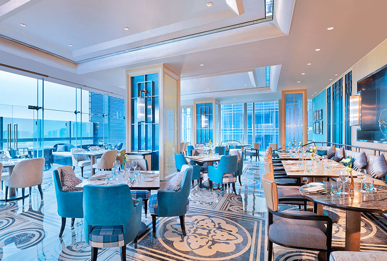 International cuisine and great drinks: The Panorama Restaurant (Image Source: The Azure Qiantang / starwoodhotels.com)