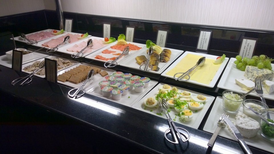 Fresh fish and other delights at the breakfast buffet