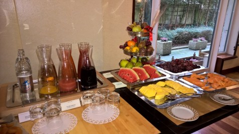 Nice choice of fruits and juices at Le Royal Hotel