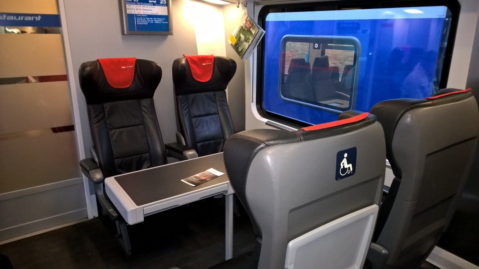 Seating arrangement in the Railjet First Class