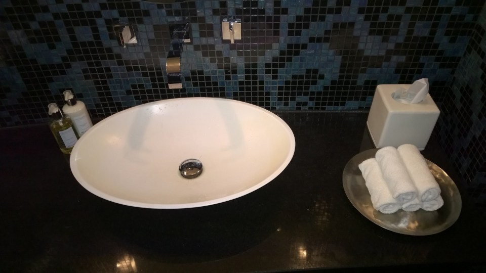 Sink in the luxurious bathroom
