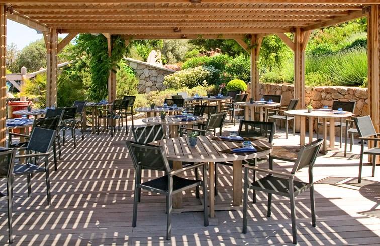 Grill Restaurant (Image Source: Casaldelmar Porto Vecchio / casadelmar.fr)