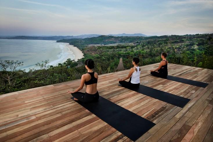 Yoga (Image Source: Nihiwatu / nihiwatu.com)