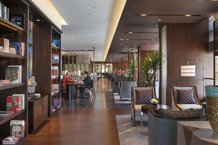 Mandarin Oriental Shanghai Club Lounge