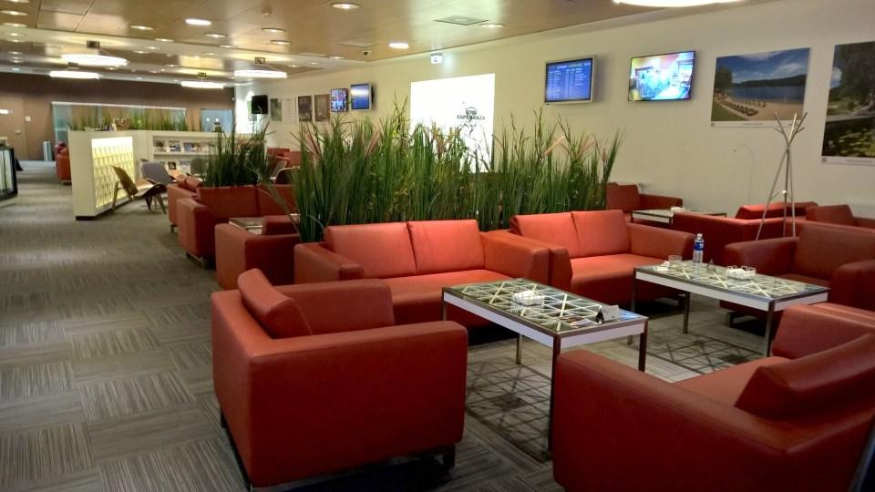 IDW Esperanza Lounge is generously sized regarding the few flights departing form Vilnius each day