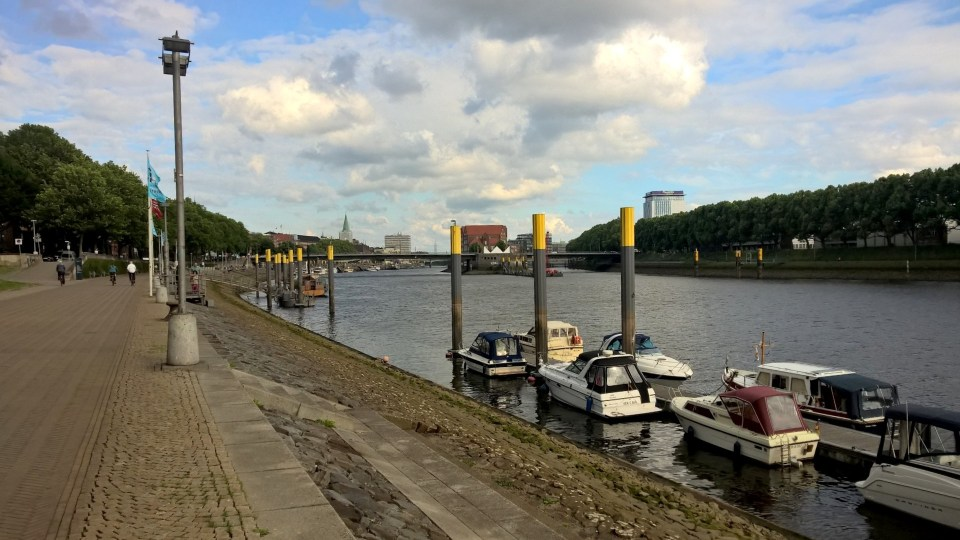 Running next to the Weser is very nice