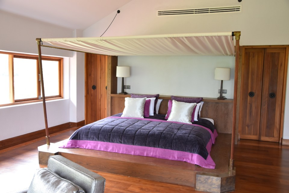 Sanctum Inle Resort Abbey Suite