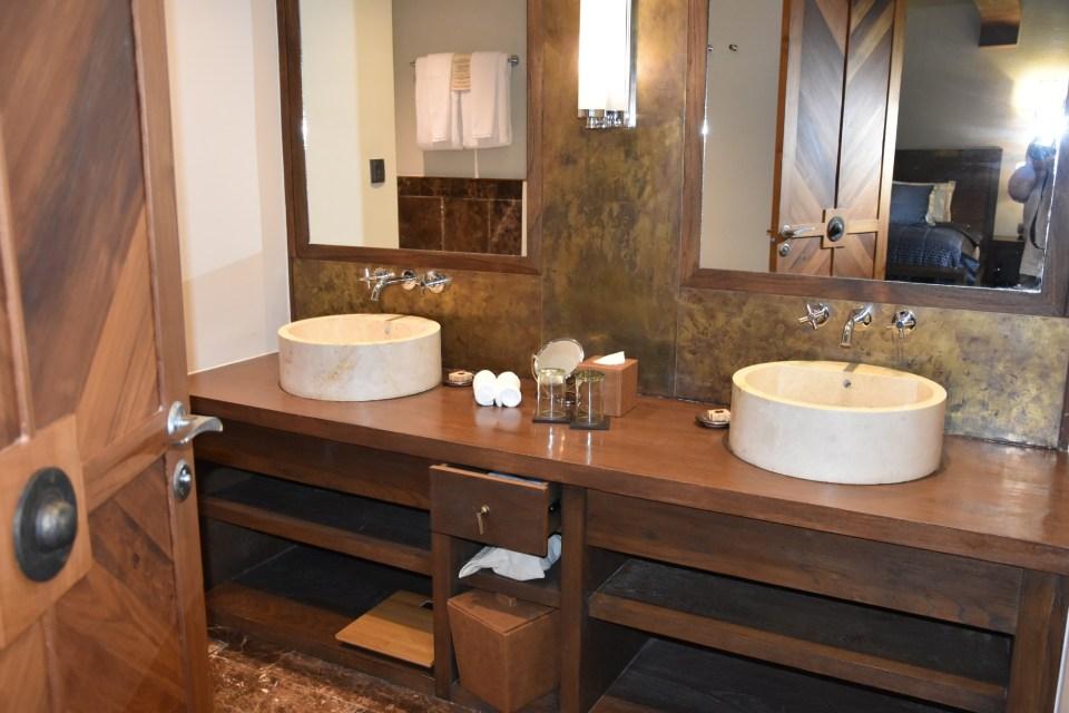 Sanctum Inle Resort Cloister Deluxe Room