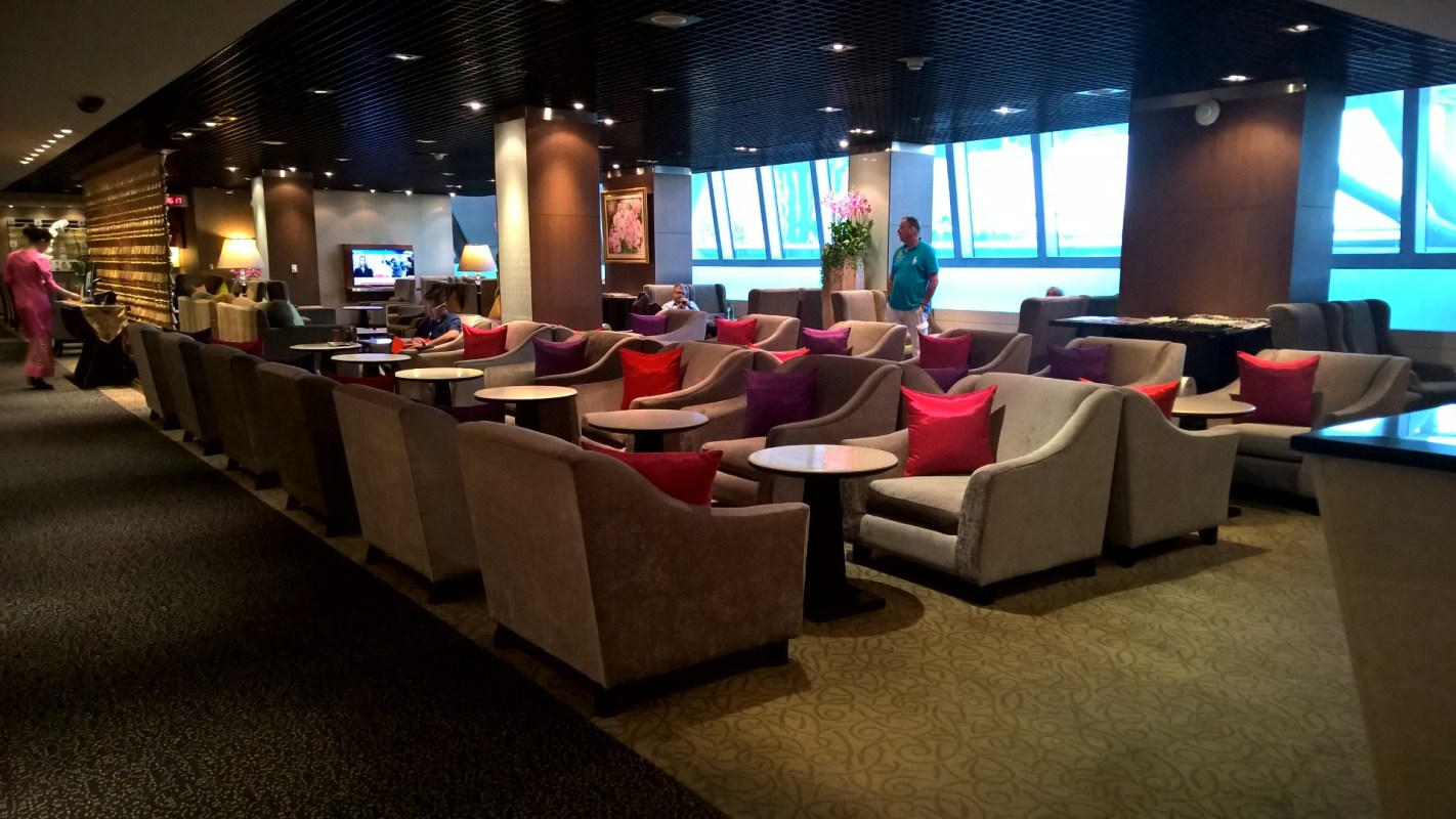 Royal First Lounge Bangkok
